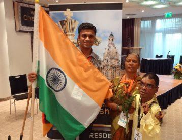 Shailesh Nerlikar and kapil lohana Holding-flag-of-India-at-Germany